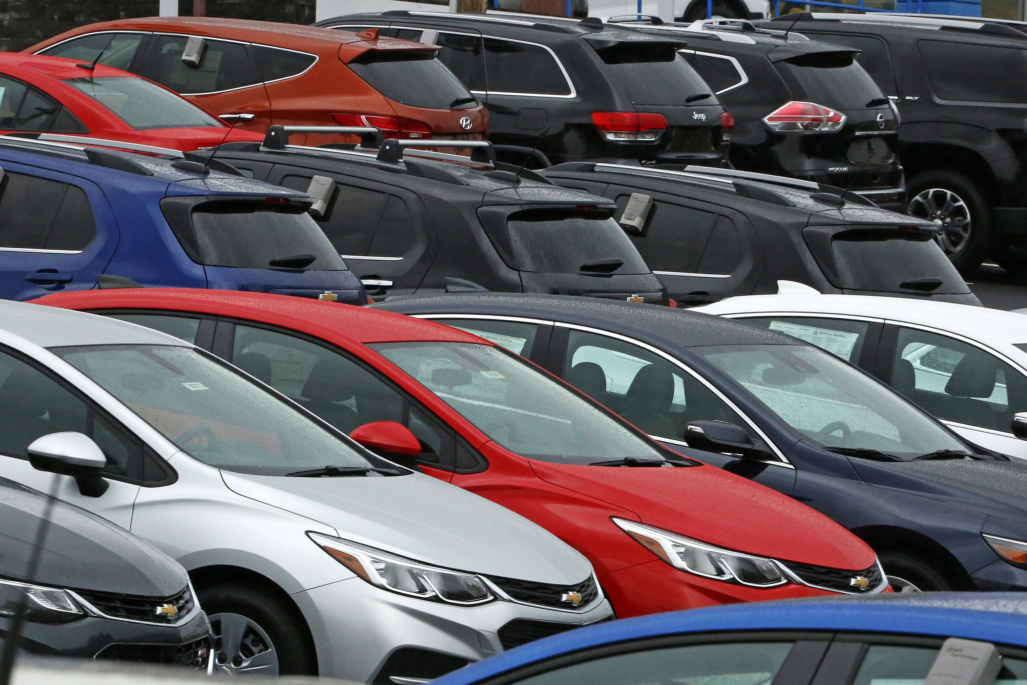 Detroit Big Three new car sales dip with rest of market in January