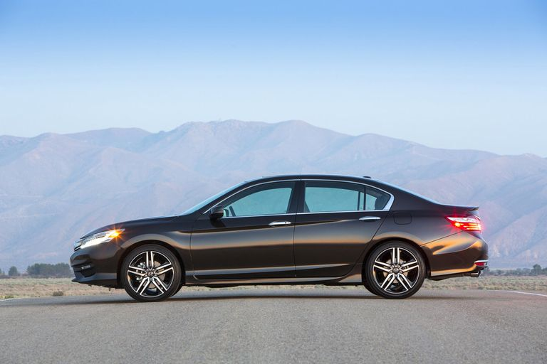 Honda unveils new Accord as midsize cars fall out of favor