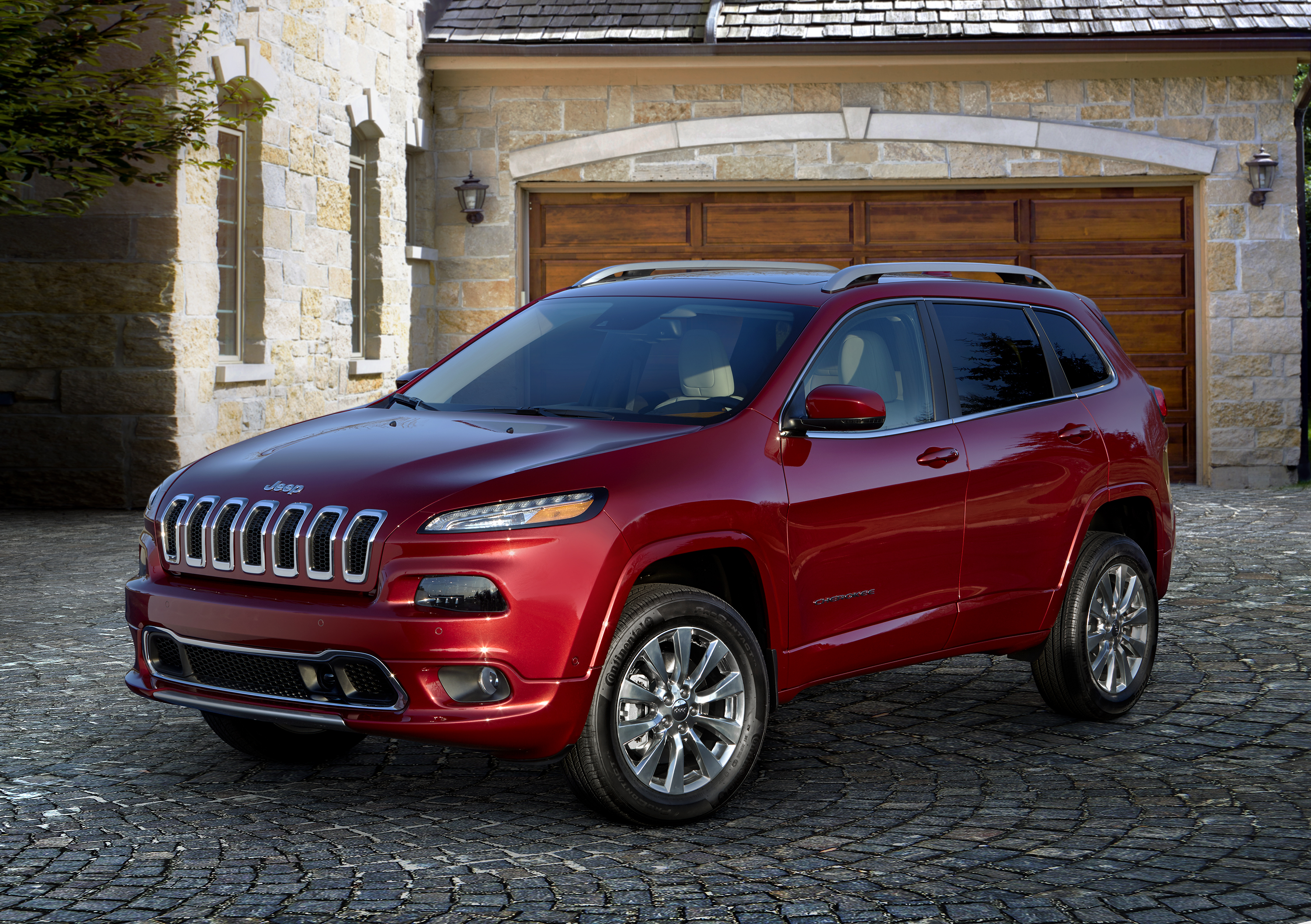 Jeep Cherokee revealed ahead of Detroit motor show