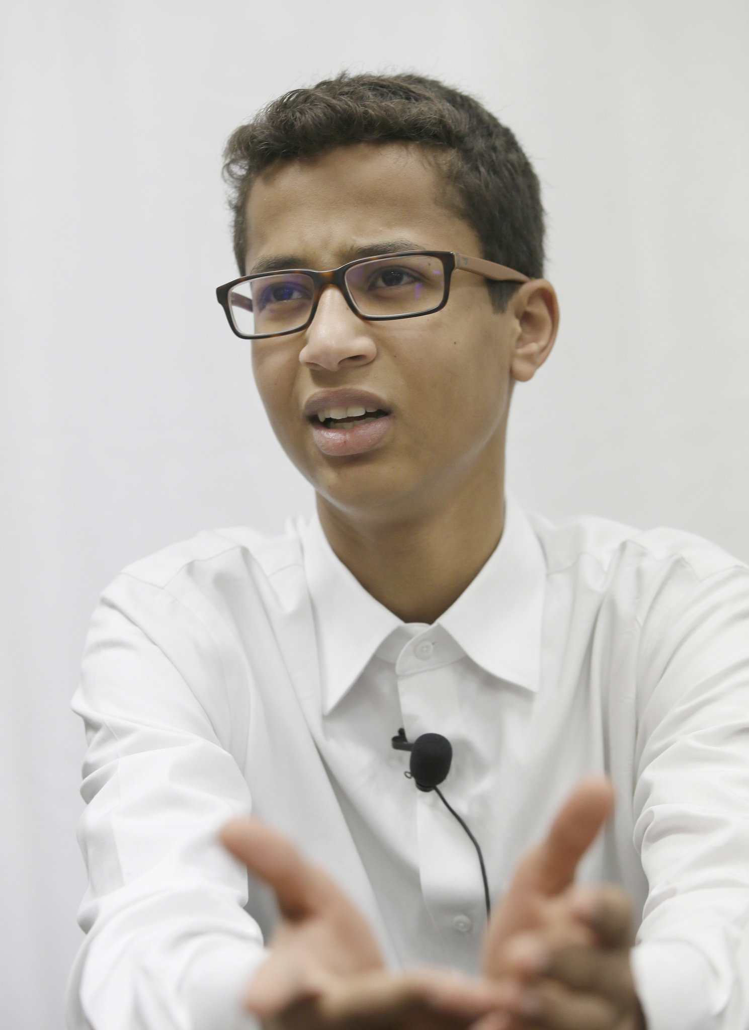 Family of Ahmed Mohamed, Muslim teen arrested in Texas for ...