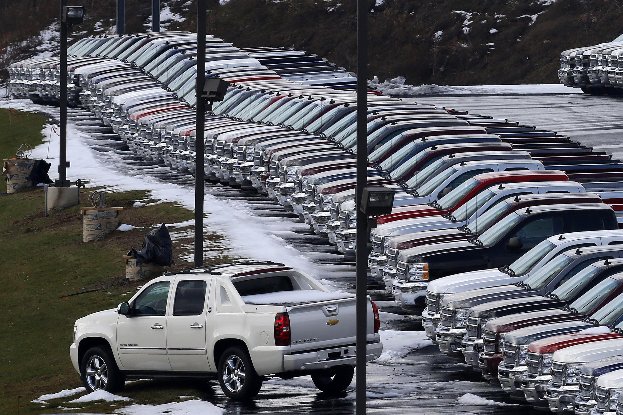 Us sells more cars trucks than ever in 2016 ford s f series pickup best selling vehicle pennlive com