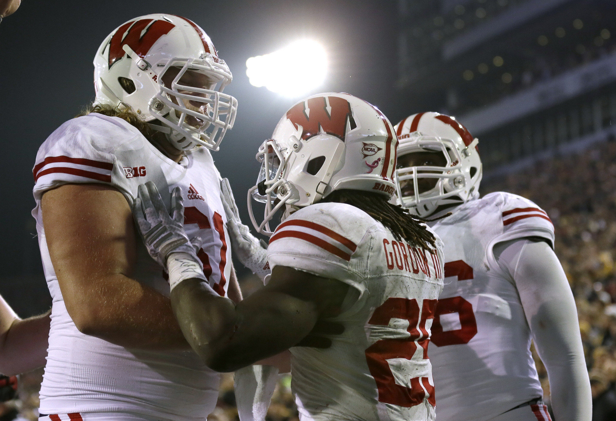 Be thankful for power runners like Melvin Gordon and Thanksgiving weekend rivalry games