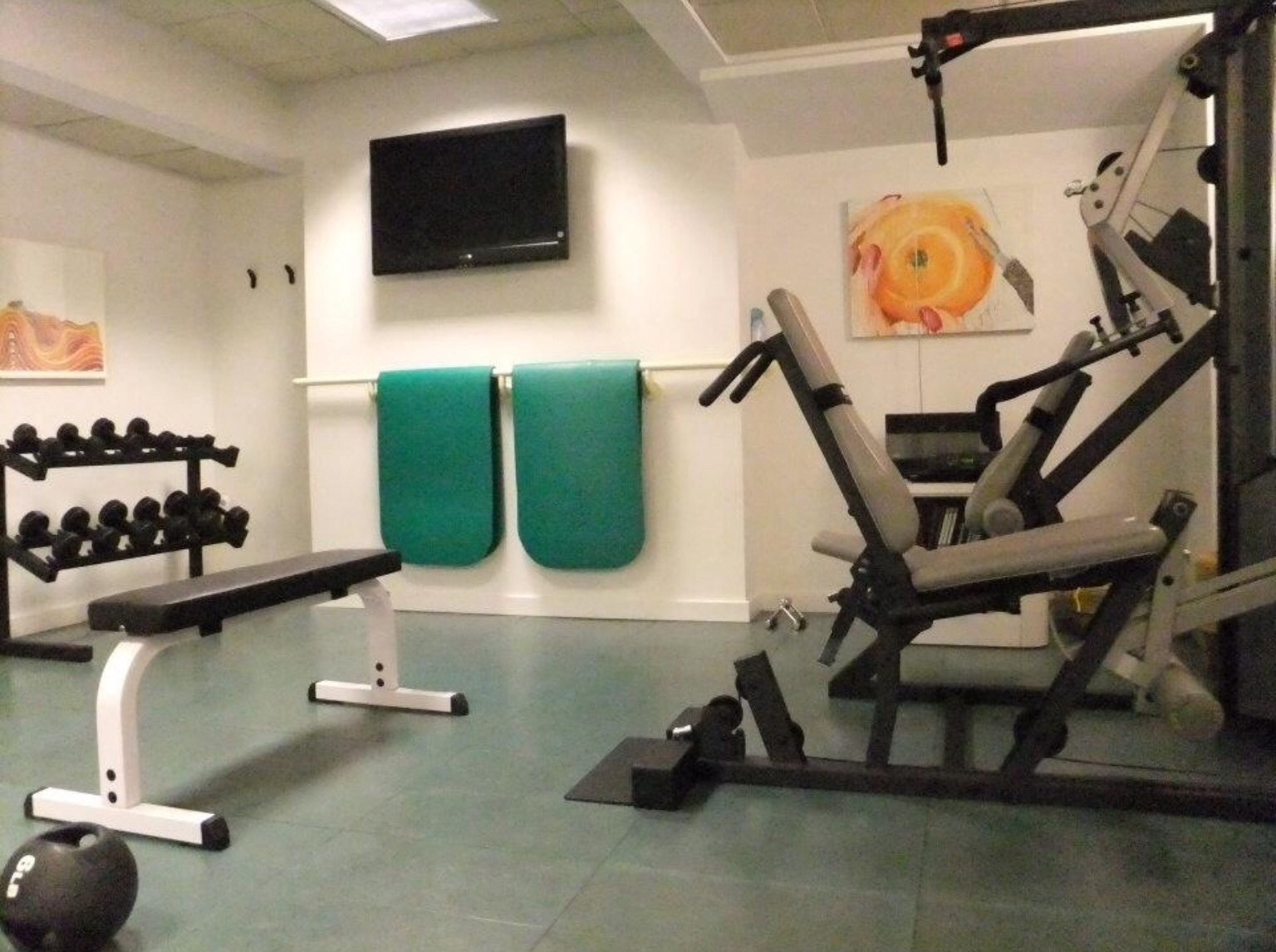 A home gym doesn t have to be elaborate lead you