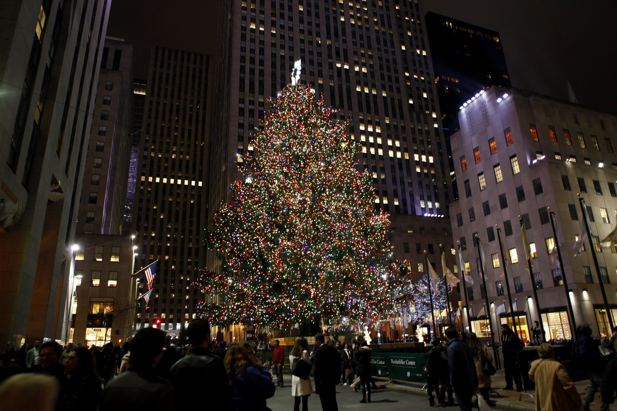 2016 Rockefeller Center Christmas tree has roots in Upstate NY backyard | NewYorkUpstate.com & 2016 Rockefeller Center Christmas tree has roots in Upstate NY ... azcodes.com