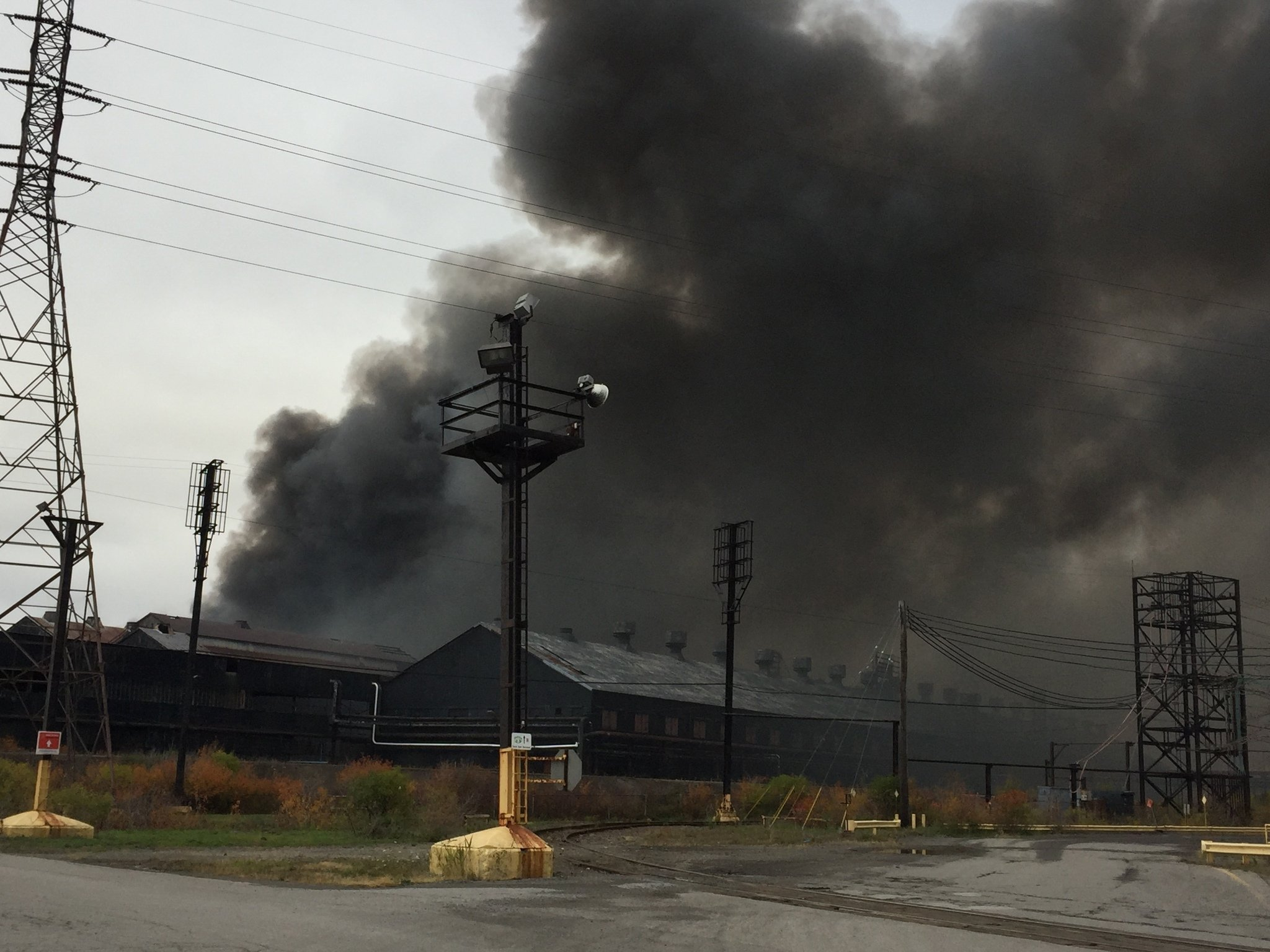 Bethlehem Steel Fire 6 City Blocks Burn Near Buffalo Plume Could