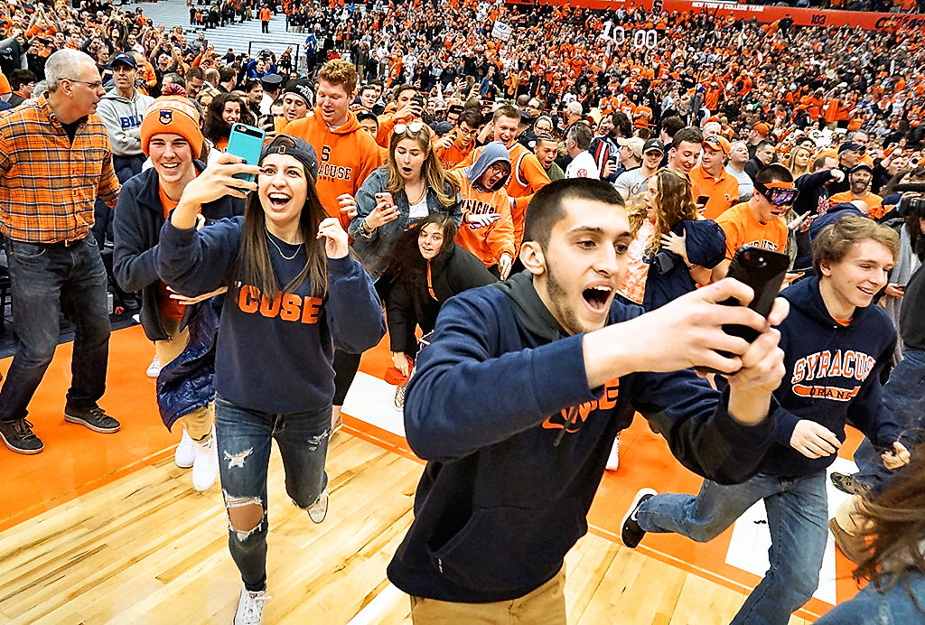 Syracuse Basketball Players Endorse Court Rush I Want To Be In The