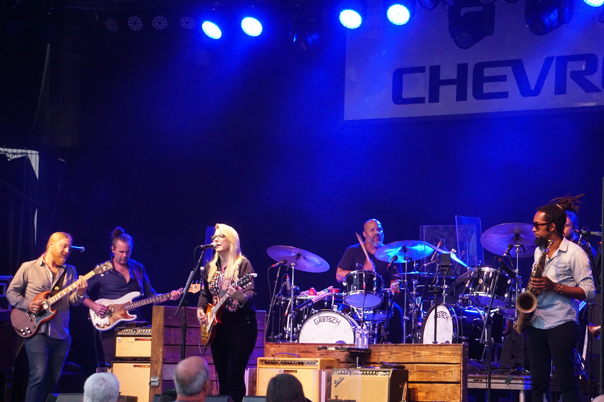 Tedeschi Trucks Band Put On A Guitar Playing Clinic Chevy Court
