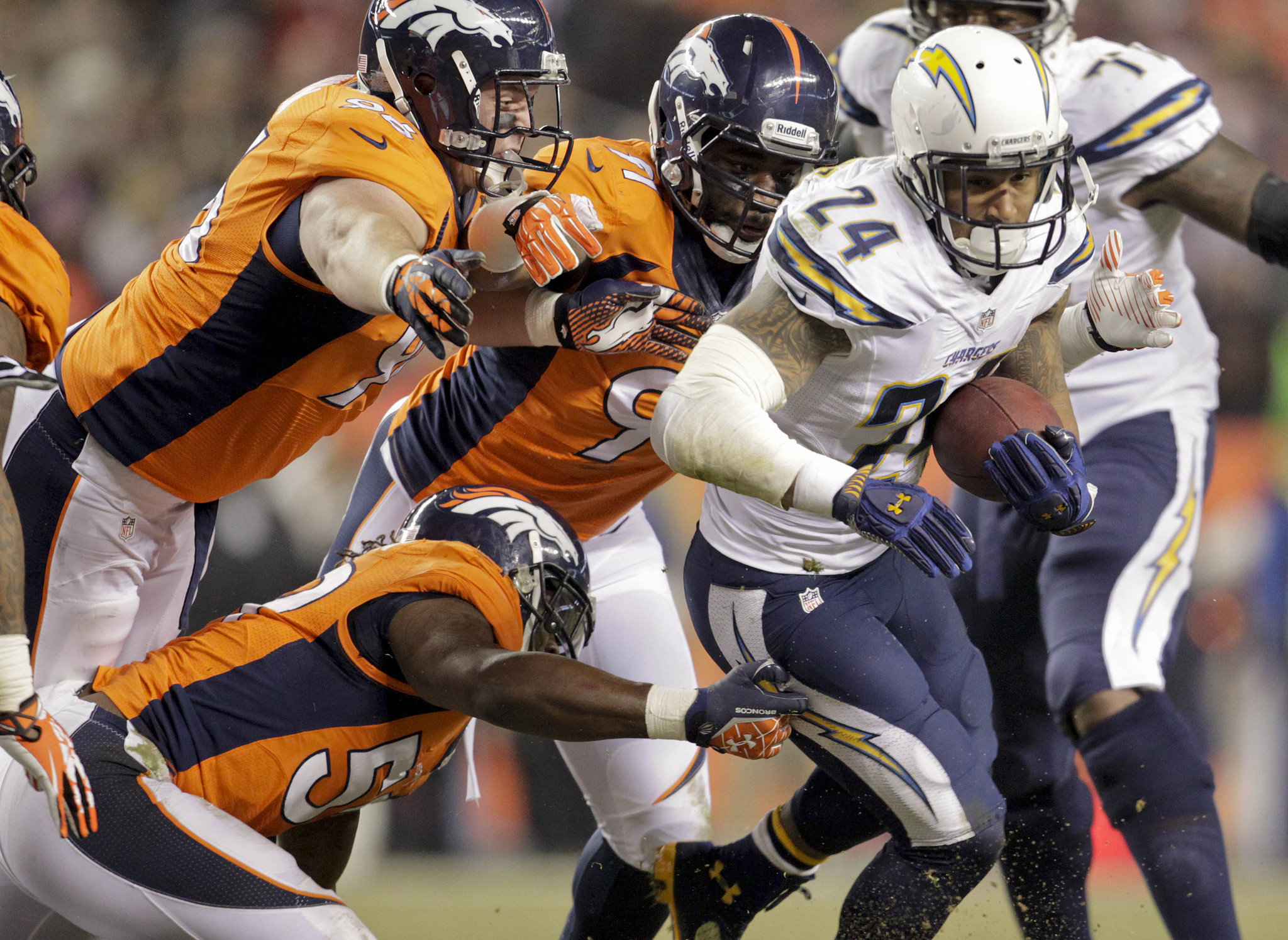 NFL Divisional Playoffs 2014: What to watch Sunday