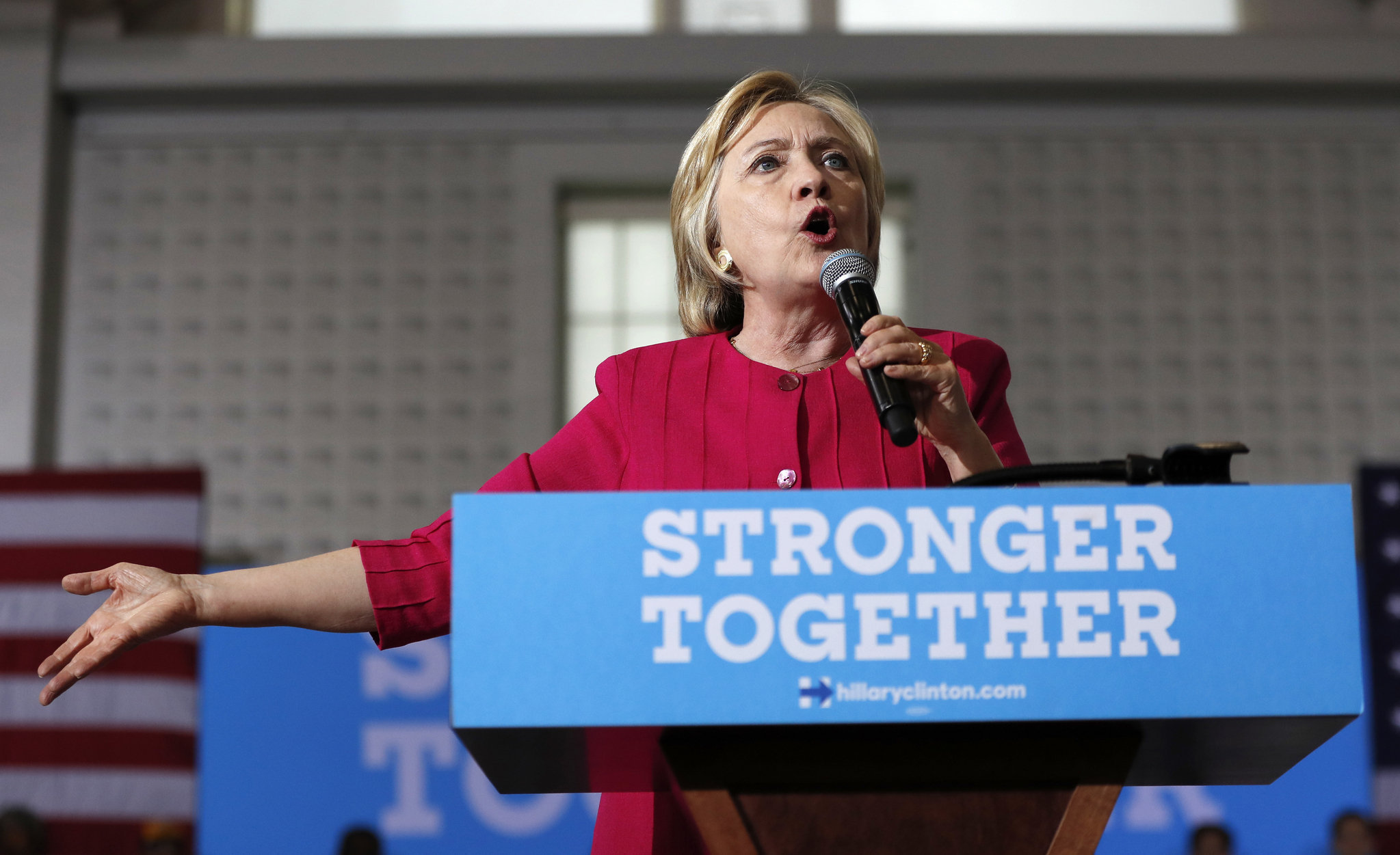 Oh Geez: Clinton Featured On Insider Threats Training Slide For US Army