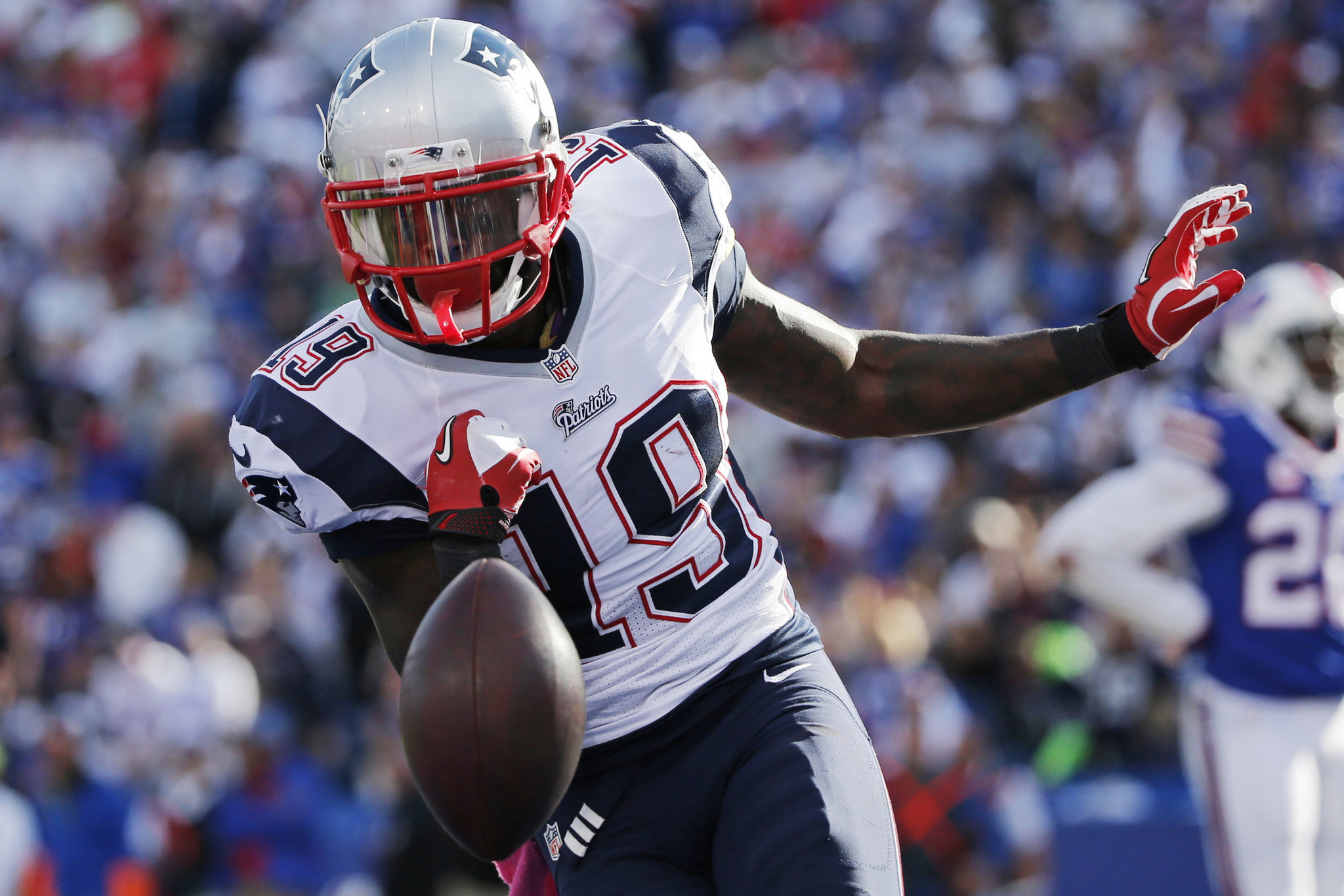 2e988350763b Fantasy football waiver wire  Injuries have you thin at RB or WR  Grab  these Week 7 replacements